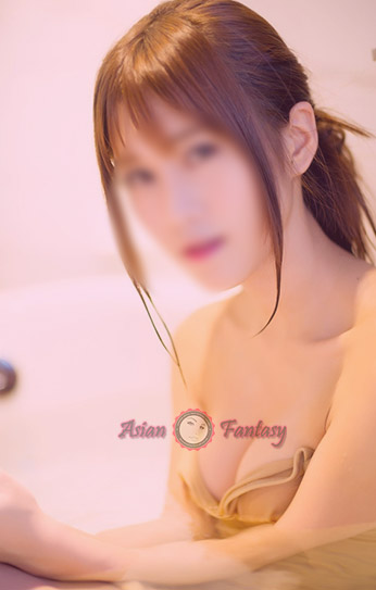 Ella - Japanese escort London