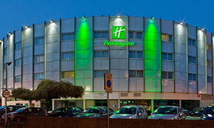 Holiday Inn London - Heathrow Ariel escort