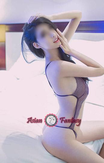 Sexy Chinese kitten Jennie